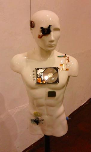 Daniel idrovo. Exposición: Pos@humano. MAMC. 2012.