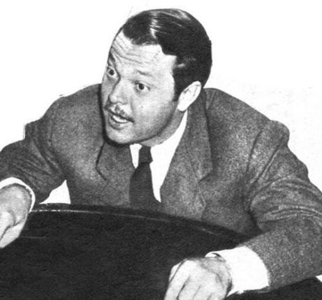 """Orson Welles, un día alarmó a varias ciudades norteamericanas con una """"primicia"""" radiotelefónica: ¡los marcianos invadían la Tierra!"""