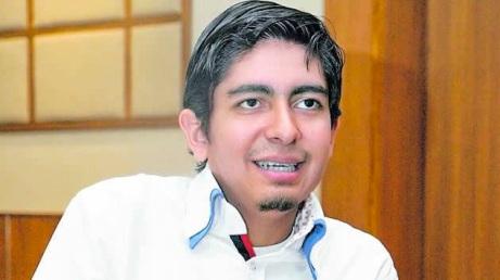 Javier Villacís Mejía, autor de Unvralº