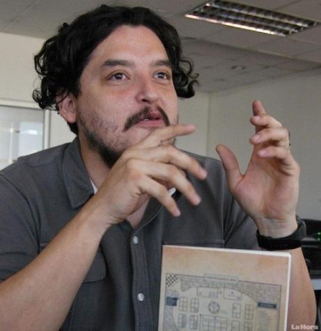 Roberto Ramírez Paredes, autor de La ruta de las imprentas (Foto, diario La Hora).