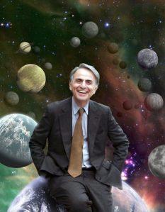En los años 80, Carl Sagan escribió Cosmos: un viaje personal, una serie de televisión que presentaba la historia de la astronomía y de la ciencia y las últimas noticias de exploración espacial.